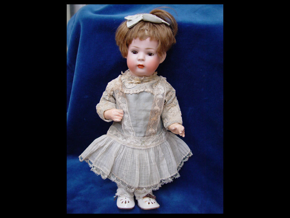 Antike-Puppe-geschlossener-Mund-Hertel-Schwab-c1912-doll-closed-mouth-poupee