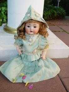 Antique bisque head doll, beautiful Characterbaby by Kämmer & Reinhardt 135.