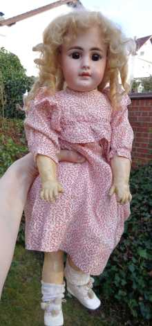 German antique doll, beautiful girl made by Simon & Halbig, dated about 1888.